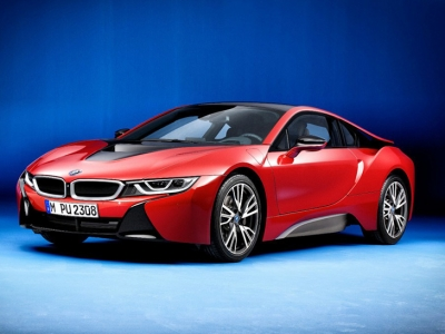 BMW sorprende con el i8 Protonic Red Edition